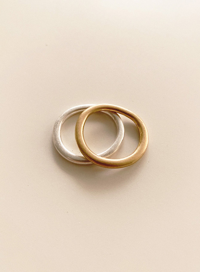 slim curve ring (2 colors) (Allergy free)